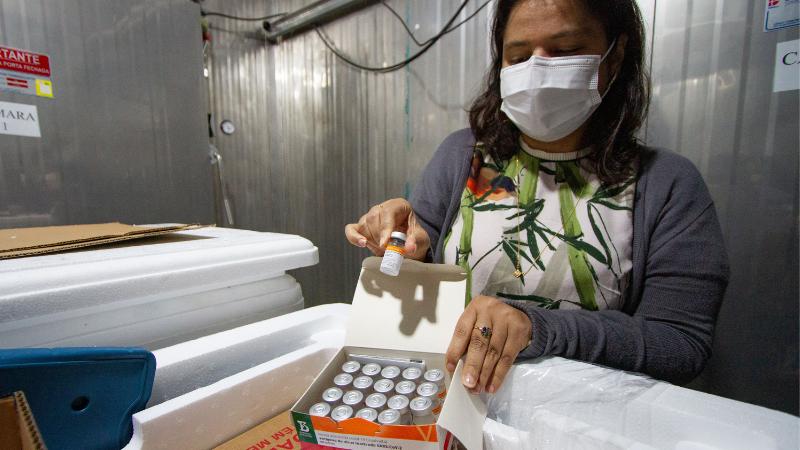 Estado recebeu 65 mil doses desse fabricante, além de 97.110 da Pfizer, totalizando mais de 162 mil vacinas somente nesta sexta-feira