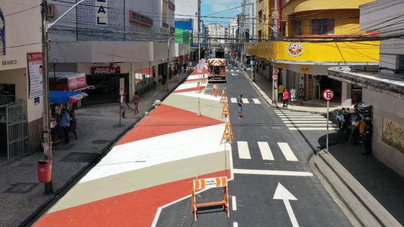 Este é o segundo projeto que traz o foco no pedestre depois que o Prefeito João Campos assinou a carta da ONU se comprometendo com desenhos mais sustentáveis e acessíveis a pedestres e ciclistas, o primeiro foi a Rua do Bom Jesus