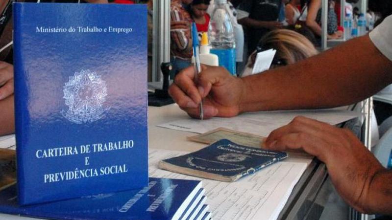 Em Pernambuco, vagas temporárias podem ser encontradas nas unidades da Agência do Trabalho do estado