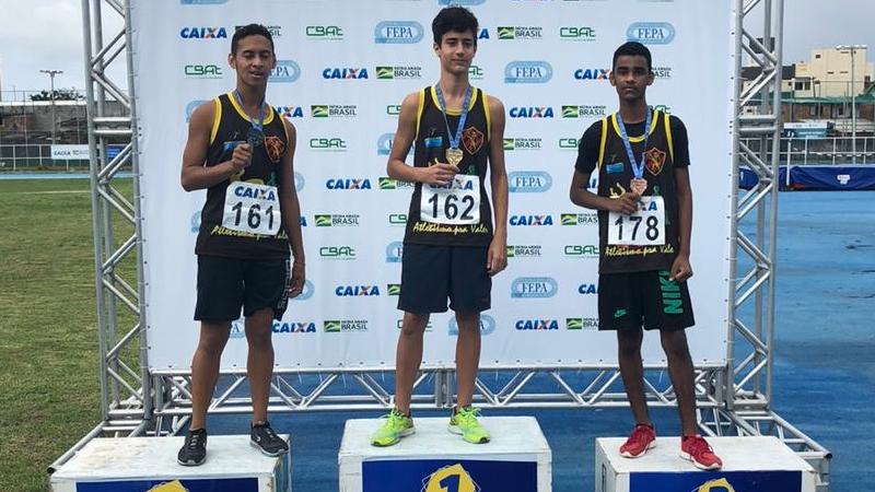Jovens inscritos no projeto esportivo Recife Esportes de Rendimento conquistaram um ouro, duas pratas e três bronzes em campeonato de atletismo.