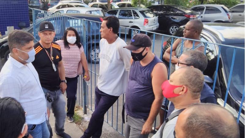 O vereador do Recife denunciou em pronunciamento na Câmara Municipal que os trabalhadores estão sem receber salários e benefícios há 63 dias