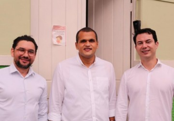 Clodoaldo Magalhães e prefeito Janjão comemoram conquista para Bom Jardim