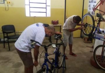 PCR promove curso de manutenção de bicicletas para população em situação de rua