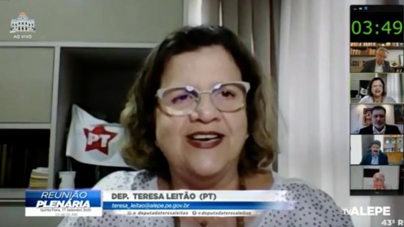 Durante a reunião plenária da Assembleia Legislativa, a deputada festejou a oficialização das candidaturas de Marília Arraes para prefeita do Recife e do vice, o advogado João Arnaldo