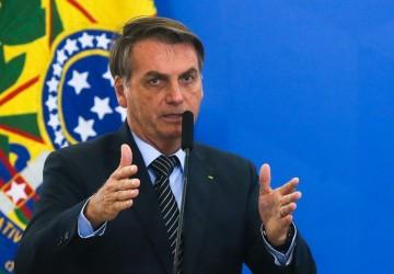 Bolsonaro acusa Barroso de buscar 'eleição suja'; ministros do TSE defendem urna eletrônica em nota