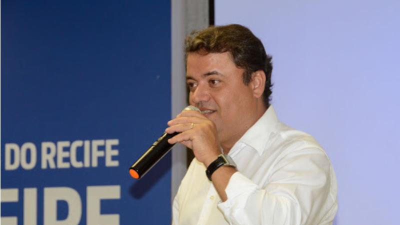 O bate-papo será hoje (26.05) à noite. Bernardo D'Almeida, presidente da Emprel, e o secretário executivo de Transformação Digital, Rafael Figueiredo, são os convidados