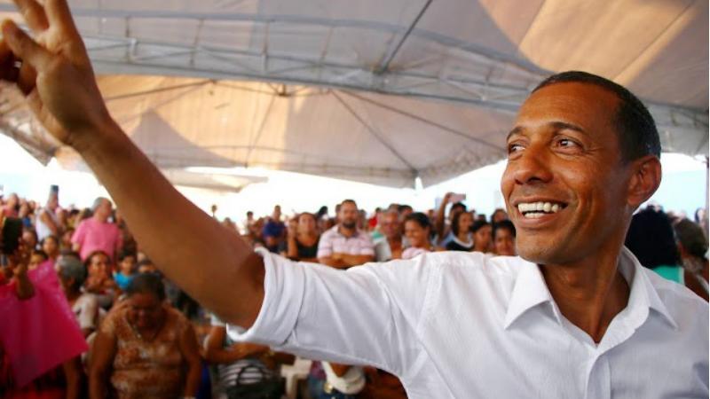 Os mais próximos ao prefeito reeleito de Olinda, não escondem o desejo de vê-lo na disputa.