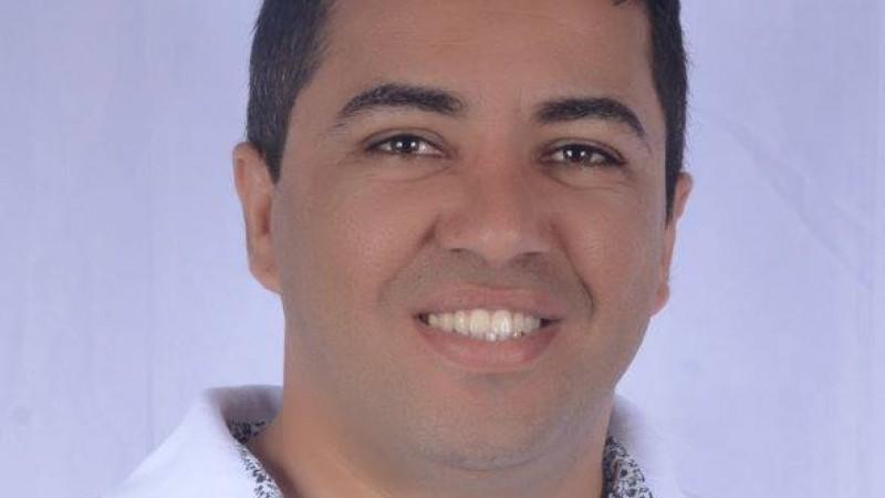 João Leite teve celular, dinheiro e carro roubados; veículo já foi encontrado