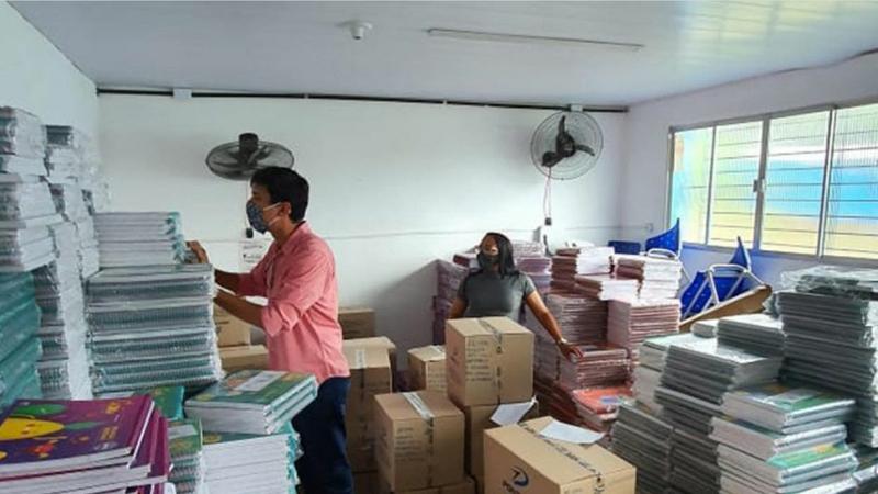 Segundo o presidente Gilberto Sabino, o SINPROP recebeu denúncia anônima de que o ex-secretário de educação da gestão anterior, haveria gasto milhões de reais na compra de livros em plena pandemia.
