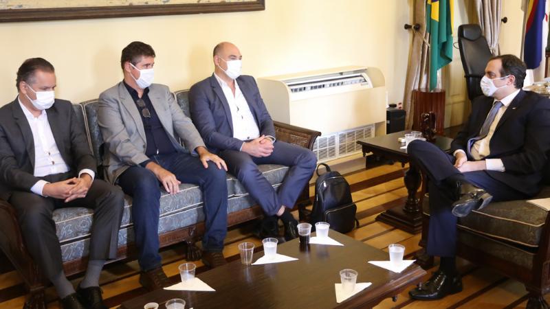 Em reunião com o governador Paulo Câmara, diretoria da empresa apresentou o estágio do projeto de expansão industrial em Suape