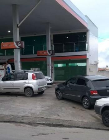 Receio de greve dos caminhoneiros leva motoristas de Caruaru a postos de combustíveis