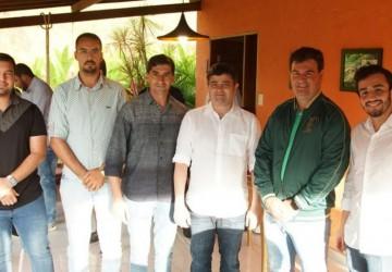 Ao lado do prefeito Gildo, Eduardo da Fonte anuncia 2 milhões em emendas para Sairé