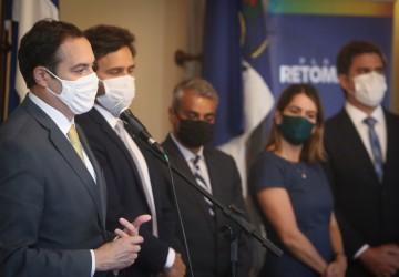 Paulo Câmara anuncia nova malha de voos da Azul para temporada de verão