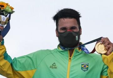 Da tampa de isopor ao ouro olímpico, a longa jornada de Ítalo Ferreira