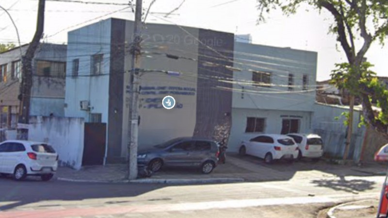 Ele foi levado para a delegacia de Santo Amaro, área Central do Recife
