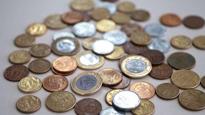 A economia brasileira deve crescer 1,9% este ano. Essa é a previsão para o Produto Interno Bruto (PIB), soma de todos os bens e serviços produzidos pelo país, divulgada hoje (6) pela Organização para a
