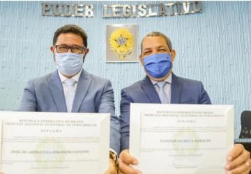 Prefeito eleito do Cabo, Keko do Armazém, e o vice-prefeito José de Arimateia são diplomados
