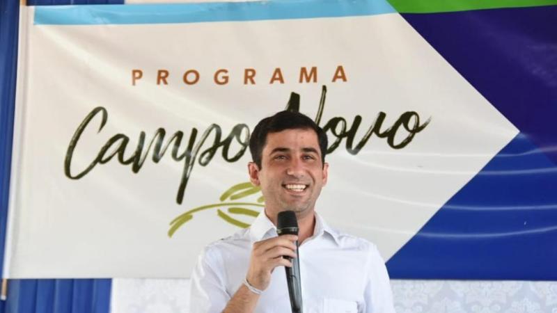 Além do secretário Claudiano Martins, diversas autoridades participaram da entrega aos agricultores e agricultoras
