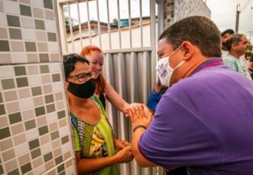 População do Janga recebe Padilha com festa em Paulista