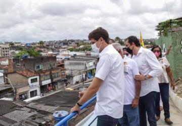 João Campos anuncia ações nos morros
