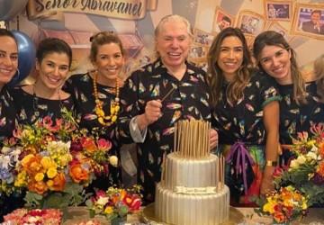Silvio Santos ganha festa do pijama para comemorar seus 90 anos