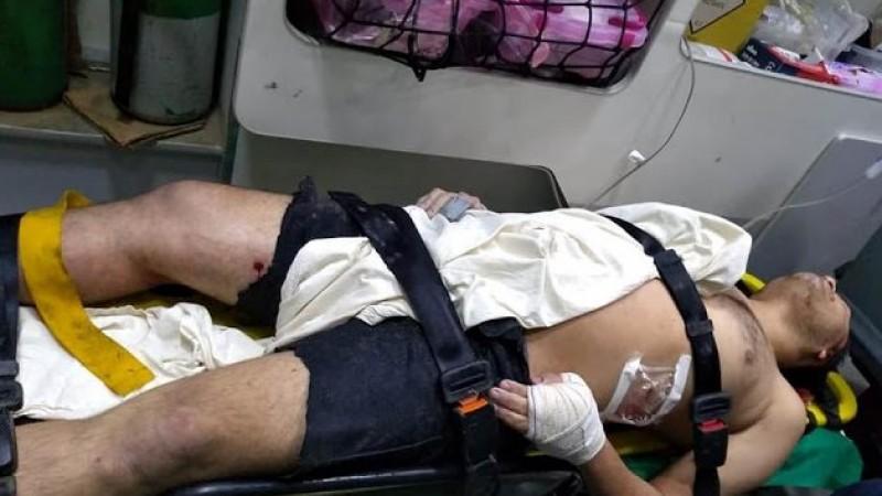 Educador foi baleado na perna, esfaqueado na barriga e teve arrancados um dedo e uma orelha