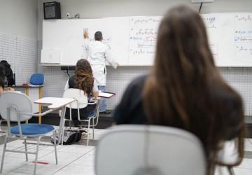 Governo de Pernambuco lança ação de combate à pobreza menstrual nas escolas da Rede Estadual