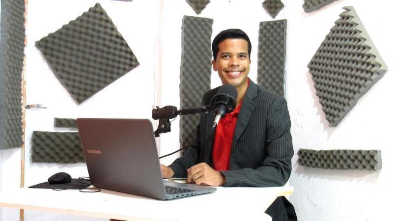O radialista, cantor, missionário e evangelista estará semanalmente no YouTube comunicando Cristo.