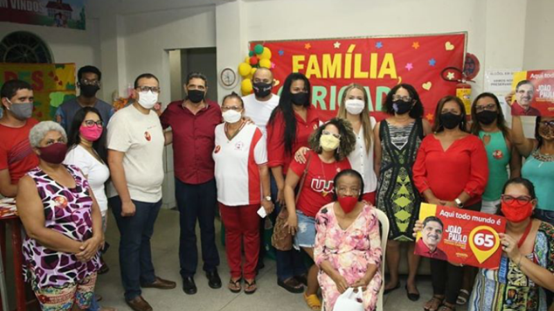Dona Bebé recebeu os candidatos e a vice governadora Luciana Santos