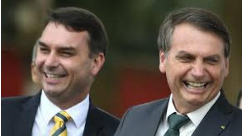 Segundo ex-cunhada do presidente, Bolsonaro demitiu o irmão dela porque ele havia se recusado a devolver a maior parte do salário como assessor