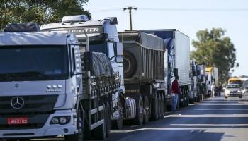 Alvo de protesto de caminhoneiros, nova tabela do frete será suspensa, diz ministro