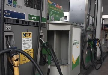Preço da gasolina registra aumento de 25% no primeiro semestre do ano, aponta Ticket Log