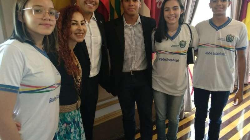 Três atletas de Caruaru foram contemplados pelo programa
