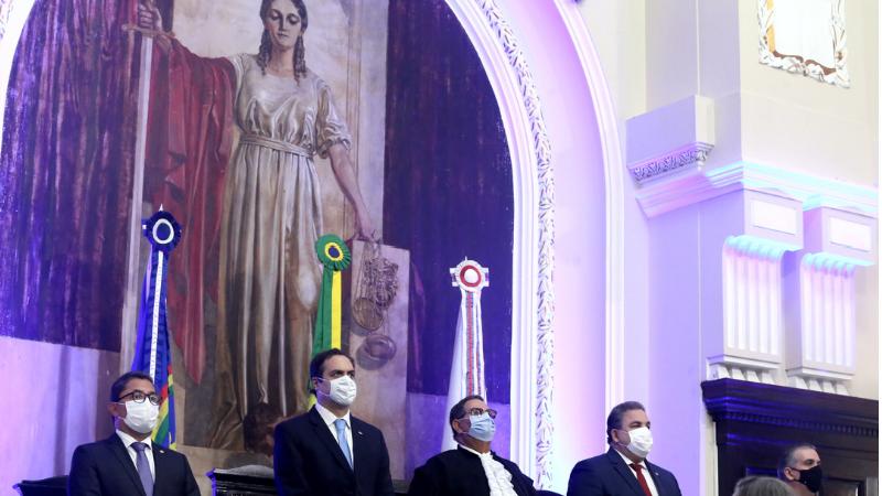 O deputado Eriberto Medeiros, presidente da Alepe, também participou da celebração do bicentenário foi marcada pela exposição da cópia do Alvará de Criação, cedida pelo Arquivo Nacional