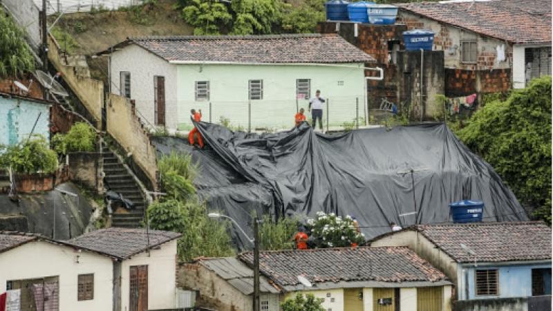 Ações estruturantes e preventivas seguem sendo realizadas pela Prefeitura, principalmente nas áreas de morro, bem como nas áreas planas da cidade