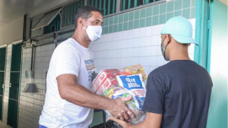 A expectativa da prefeitura do Cabo de Santo Agostinho é arrecadar 20 mil cestas básicas