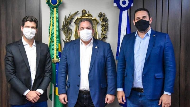 A  reunião institucional, que teve a participação do vereador Eriberto Rafael (PP), primeiro-secretário da Câmara do Recife,