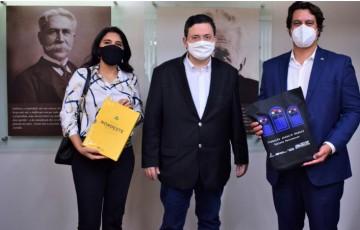Antônio Campos recebe o secretário Lucas Ramos na Fundaj