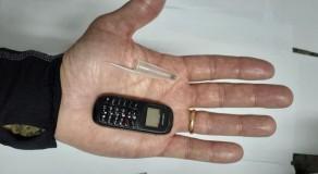 Celular do tamanho de uma tampa de caneta é apreendido em presídio