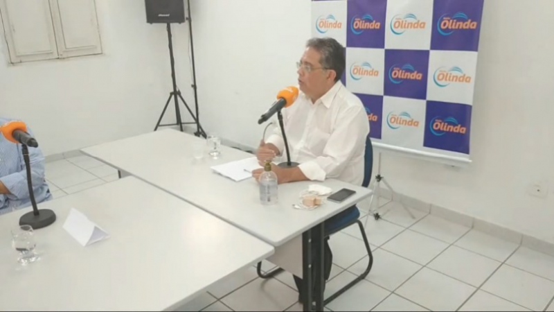 Em sabatina na Rádio Olinda, o candidato afirmou que, caso vença a eleição, irá garantir a acessibilidade nas calçadas dos prédios público.