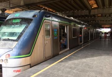 Linha Centro do metrô sofre atrasos nesta terça (22)