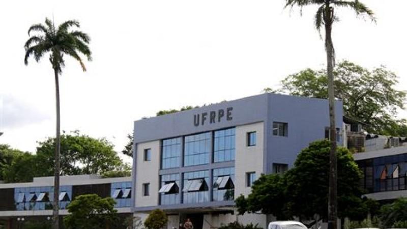 Total de contratos que podem ser cortados na Universidade Federal de Pernambuco (UFPE), Instituto Federal de Pernambuco (IFPE), Universidade do Vale do São Francisco (Univasf) e UFRPE chegam a maia de três mil