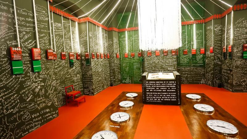 O Teatro Santa Isabel convida para visitas guiadas por suas histórias e instalações. Paço e MAMAM também estarão de portas abertas