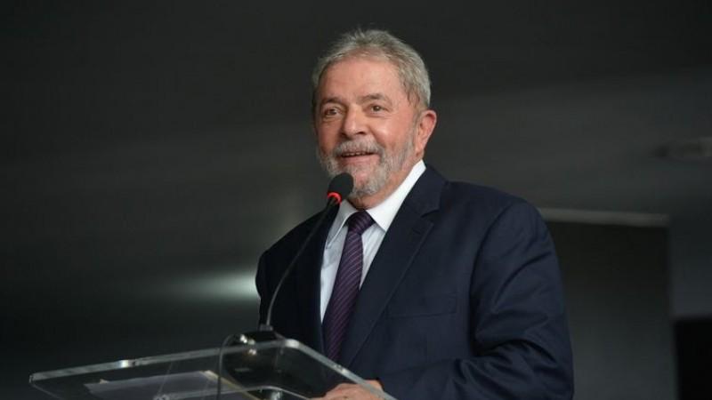 Para a defesa, Lula deve progredir diretamente para o regime aberto, quando o condenado pode sair durante o dia e deve voltar à noite para casa