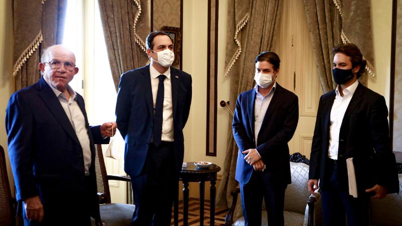 Durante encontro com o Governador Paulo Câmara, foi discutida a ampliação do Hospital Santa Joana, com um investimento total de R$150 milhões, representando um marco importante para a consolidação do polo médico pernambucano