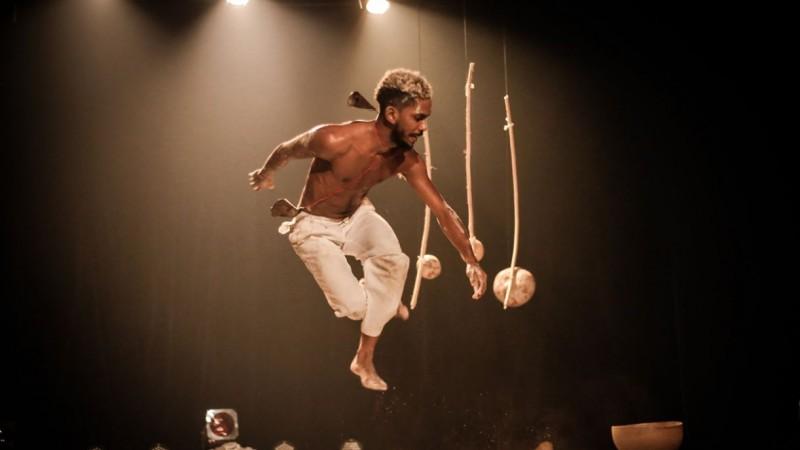 """Peça do grupo pernambucano """"Orun de Santana"""" será encenada no Teatro marco Camarotti, sem público, com exibição nacional"""
