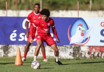 Coritiba e Náutico jogam de olho na liderança da Série B do Brasileiro