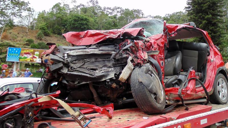 Combinação de imprudência, com excesso de velocidade e desrespeito às regras aumentou letalidade dos acidentes no Brasil