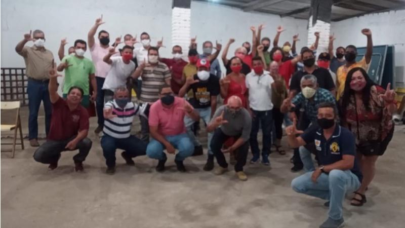 Eles não aceitam a decisão da Executiva Nacional do PT, que classificam como golpe, indicando o nome de Vivian Farias para vice de João Paulo (PCdoB)