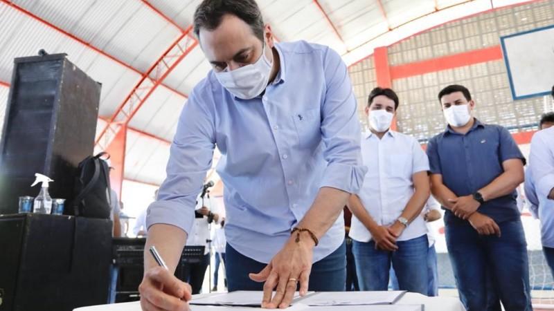 Obras em andamento e autorizadas durante visitas devem gerar mais de 3,8 mil empregos no Agreste Meridional e Central, além do Sertão do Moxotó